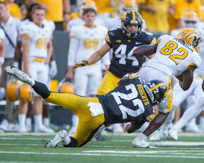 Eerie? Erie's Terry Roberts gives Bob Sanders vibes to Iowa football
