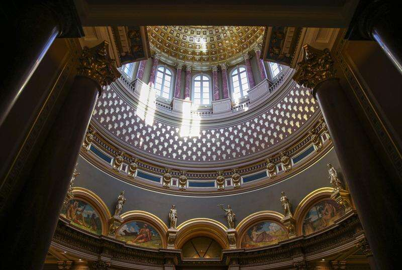 Charter schools, but not vouchers, advance in Iowa Legislature