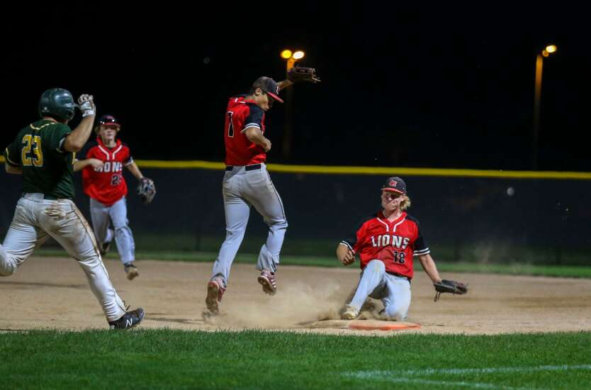 Linn-Mar claws its way to substate baseball victory over Cedar Rapids Kennedy