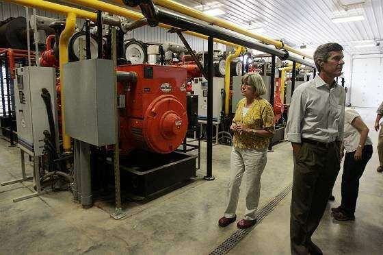 Amana Farms makes electricity from manure