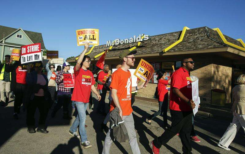 Cedar Rapids McDonald's employees, demonstrators call for chain to serve up higher wages, union rights