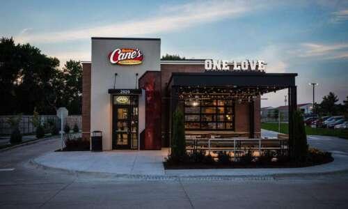 Raising Cane's chicken fingers restaurant now plans Cedar Rapids opening…