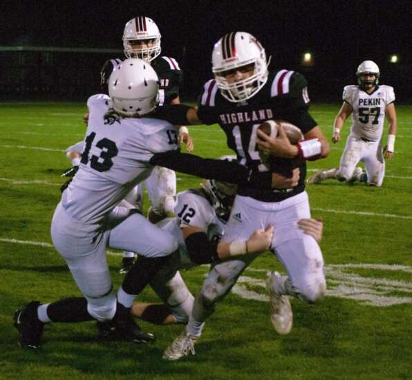 Beavers chew past Highland in football
