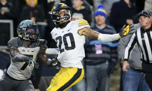 Former Iowa DB Julius Brents will transfer to Kansas State