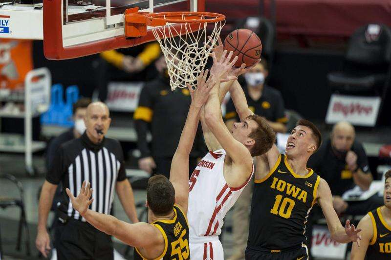 Iowa locks up double-bye in Big Ten men's basketball tournament
