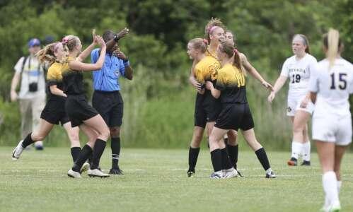 Iowa high school girls' state soccer 2019: Friday's semifinal scores…