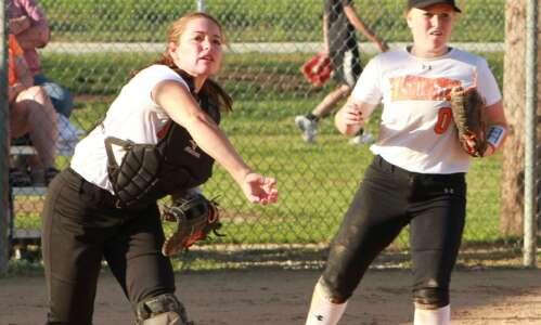 Washington softball splits with Fort Madison