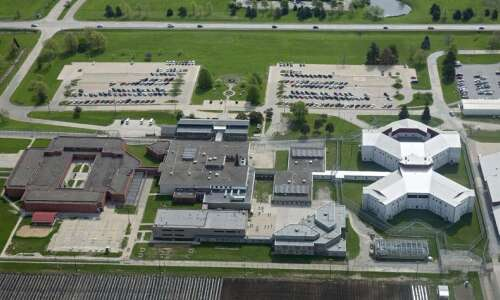 10 inmates test positive for coronavirus at Iowa Medical and…