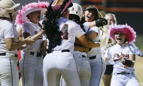 Prairie edges Linn-Mar in extra-inning regional semifinal