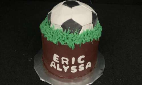 Cedar Rapids high school principal bakes custom cakes to bring…