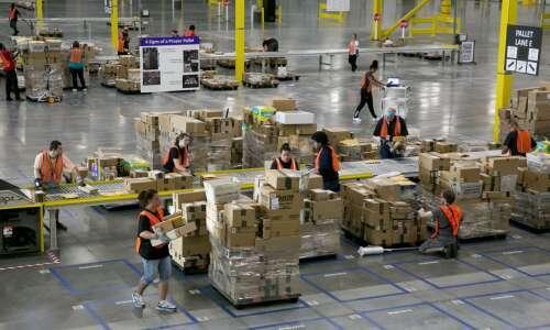Amazon to create more than 1,000 jobs in Davenport