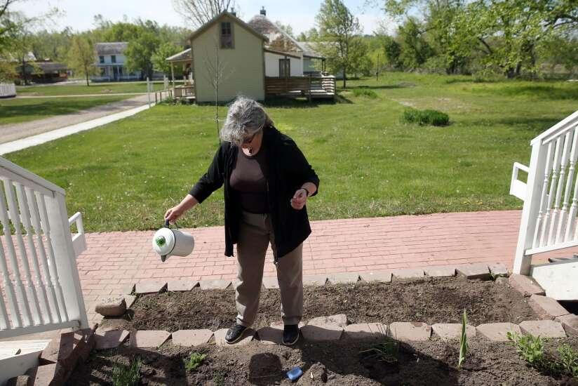 Ann Cejka finds inspiration at Ushers Ferry Historic Village