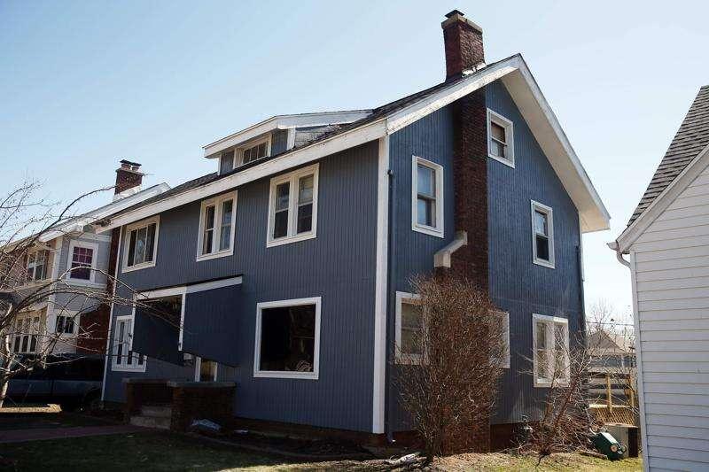 Police investigate racial slur painted on Cedar Rapids house