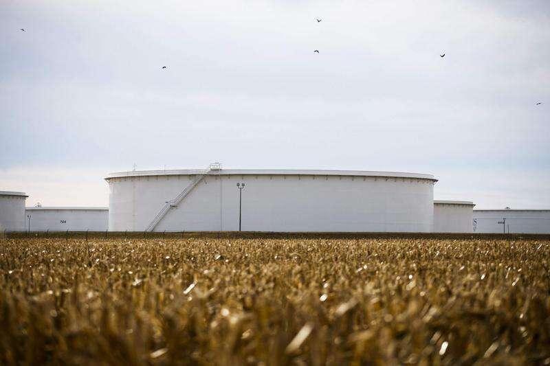 Dakota Access oil pipeline's growth rekindles opposition