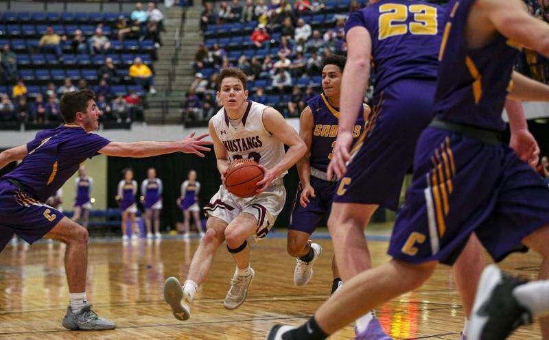 Mount Vernon's Keaton Kutcher commits to play college basketball at South Dakota