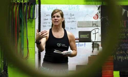 Iowa Profile: Fairfax health coach uses faith to achieve fitness…