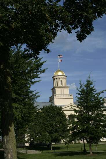 Tenured faculty slide continues on Iowa's regent campuses