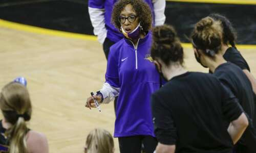UNI women's basketball sees close game at halftime turned into…