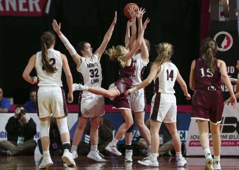 Iowa girls' state basketball tournament: A closer look at Friday's games