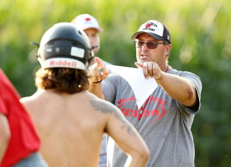 Levi Weldon, Kaden Wetjen lead surging Williamsburg football into playoff opener