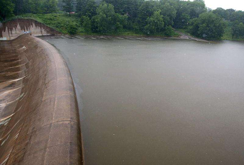 Iowa River to rise in Iowa City, but fall short of flood stage