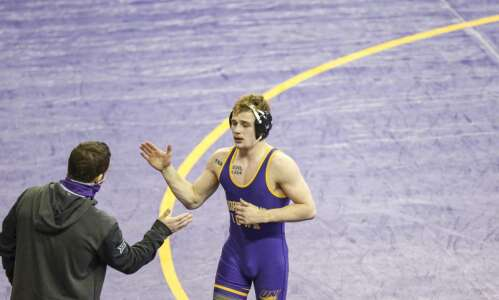 UNI wrestling can't pull off upset against No. 5 Oklahoma…