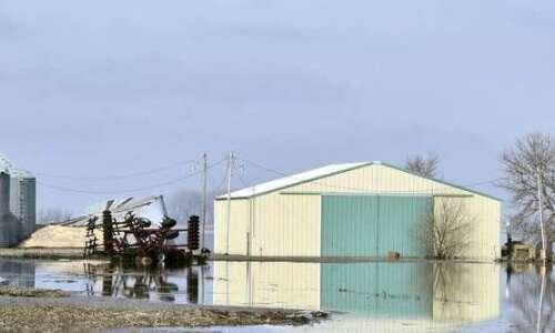 Iowa's severe weather stymies spring planting