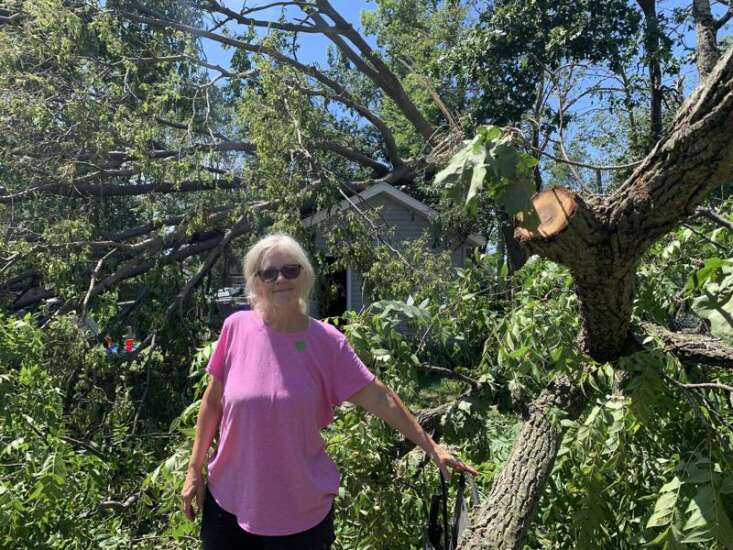 Neighbors face daunting cleanup in Cedar Rapids area after devastating derecho