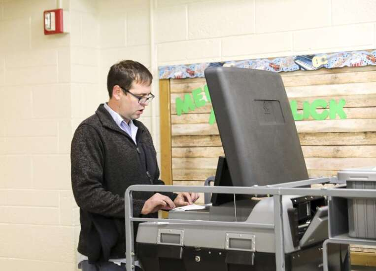 Voters approve money for Cedar Rapids schools, oust incumbent who voted for controversial plan