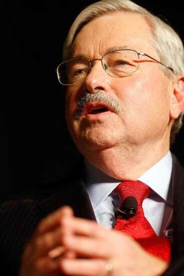 Branstad defends meeting Richards before regents vacancy was public
