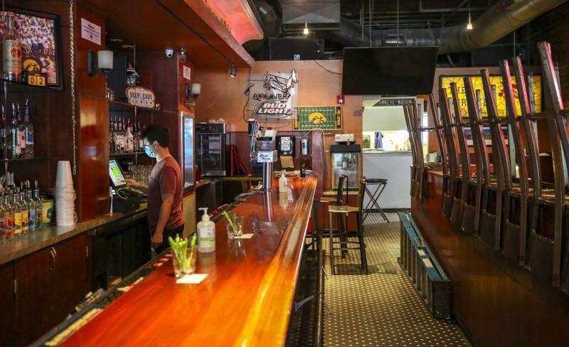 Some Iowa City bars and restaurants close again as coronavirus spikes