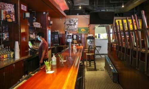 Some Iowa City bars and restaurants close again as coronavirus…