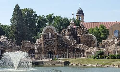 Iowa is home to the world's largest grotto