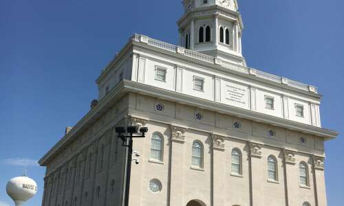 A Day Away: Cross the Mississippi River to Nauvoo, Ill.