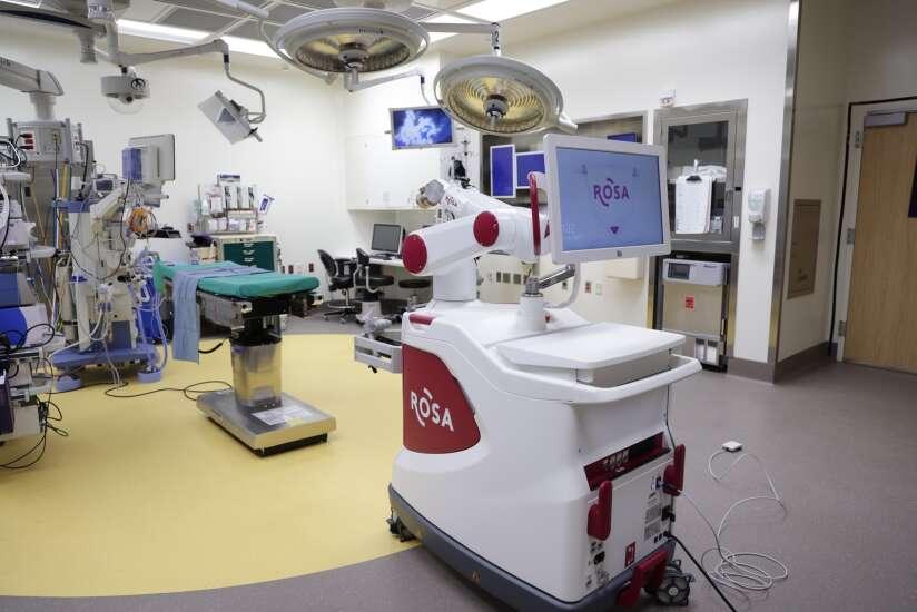 University of Iowa now using game-changing brain surgery robot