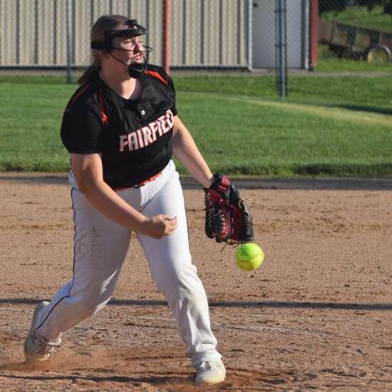 Despite walks, Fairfield takes 2 softball games from Washington