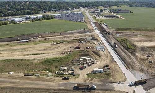 Highway 30 bypass open around Mount Vernon and Lisbon