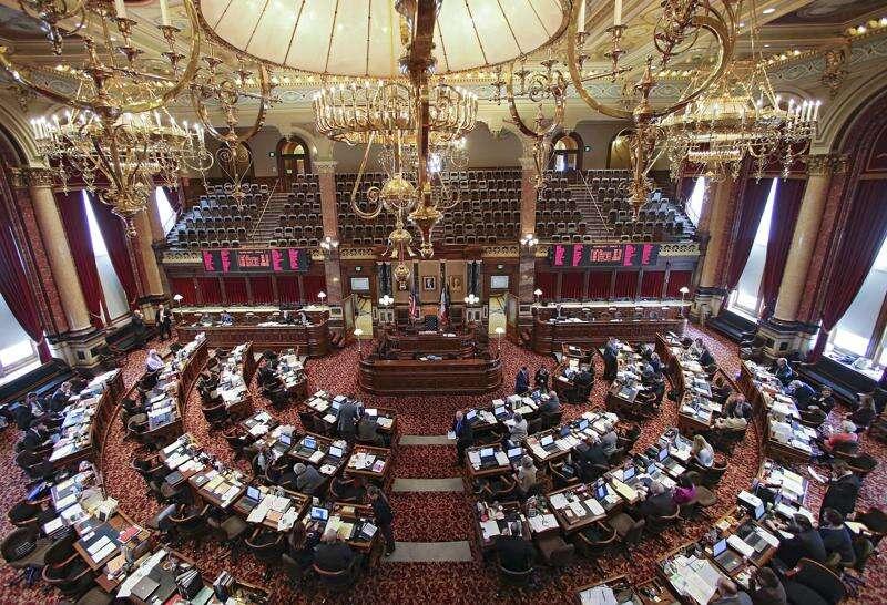 Iowa Senate passes 'back the blue' bill