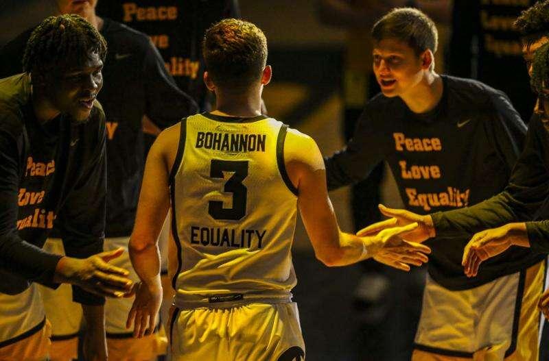 Watch: Bohannon brothers reflect on Jordan's Iowa career, family's basketball legacy