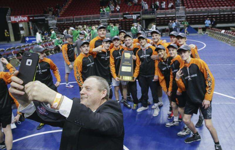 West Delaware leaves no doubt in claiming 3rd straight state duals title