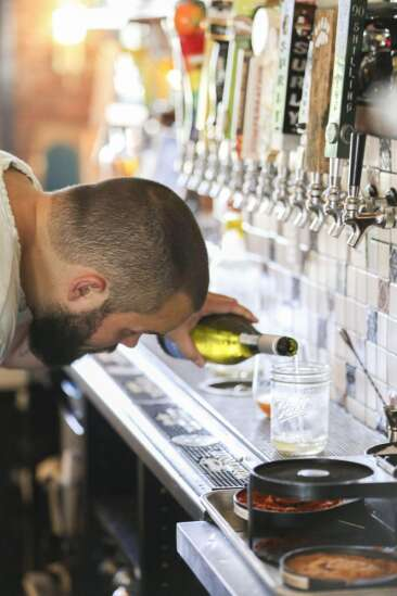 Restaurants struggle with staffing shortages in Cedar Rapids, Iowa City area
