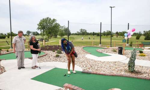 Mini Pines miniature golf course hosts grand opening