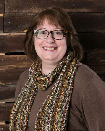 Cedar Rapids author's new picture book shines spotlight on 'Dinosaur Lady' of the 1820s