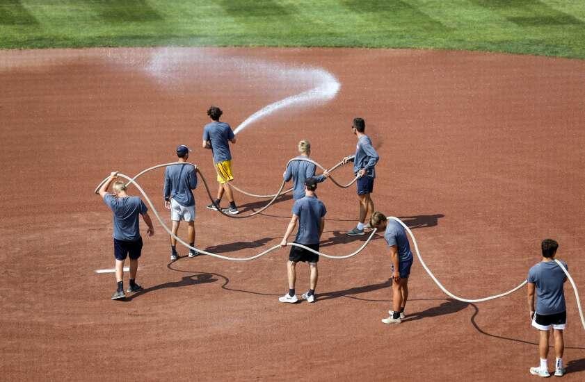 Iowa Photo: Serpentine state softball