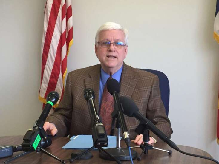 Former Iowa DHS Director Foxhoven to file wrongful termination claim