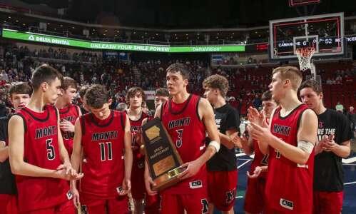 Iowa high school boys' basketball rankings: Cedar Falls, Ballard are…
