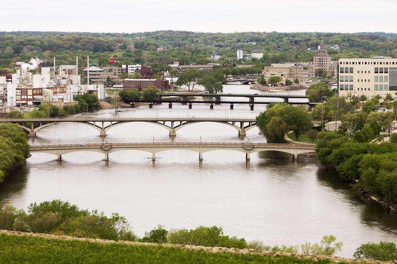 Cedar Rapids seeks input on effort to revamp zoning code