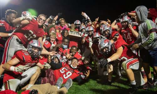 Iowa high school football rankings: Southeast Valley is last 2A…