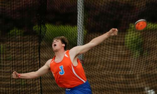 Jesup's Carson Lienau sweeps 2A boys' throws at state track
