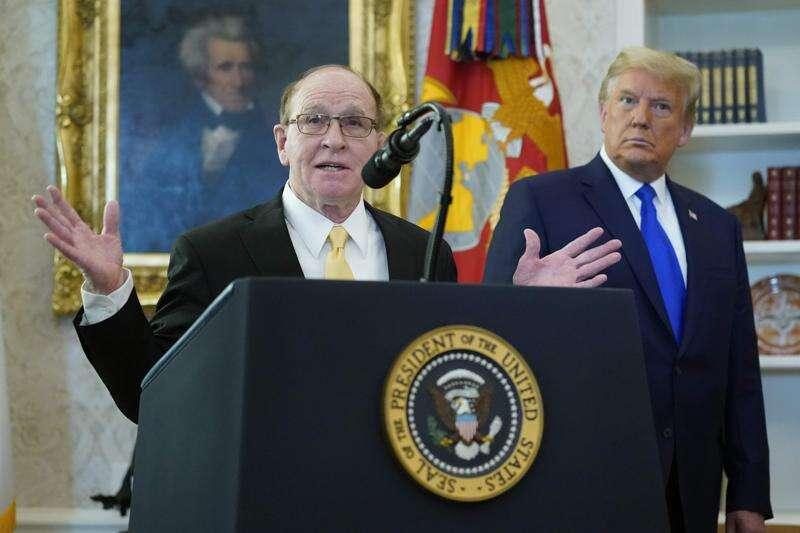 Trump honors legendary Iowa wrestler Dan Gable with Presidential Medal of Freedom at White House